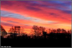 Prachtige kleuren vullen de ochtendlucht