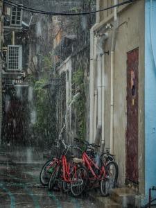 Een warme douche na een fietstocht in de regen...